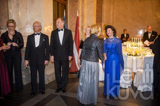 Kuninkaalliskuvat | Queen Silvia acquainted with Latvian | Press image | lehtikuva.fi