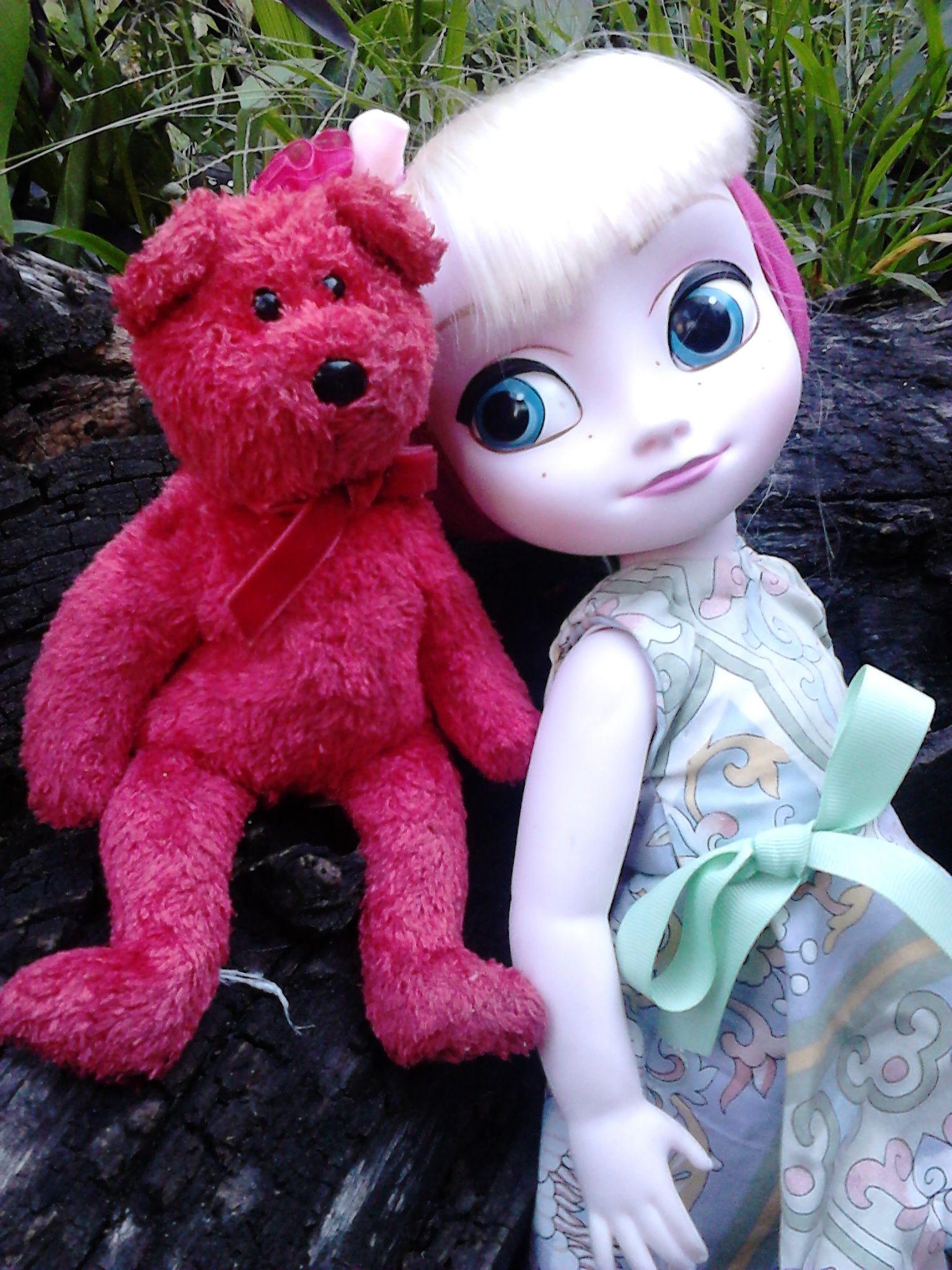 Princesa Elza e seu urso vermelho!!!!