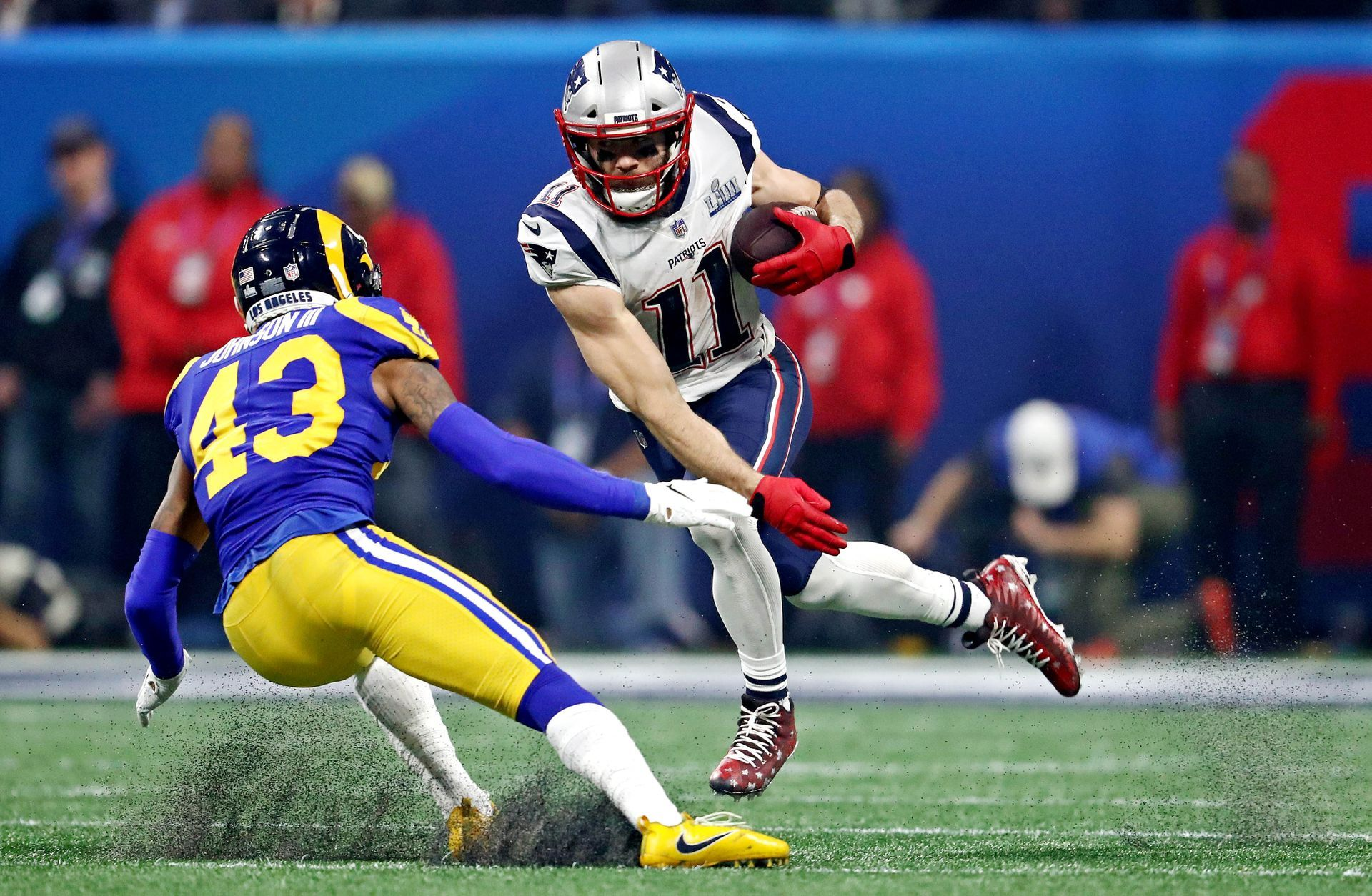 The Best Super Bowl Photo Belonged To Tom Brady And His Daughter Usa Today Nfl Highlights Super Bowl Super Bowl Weekend