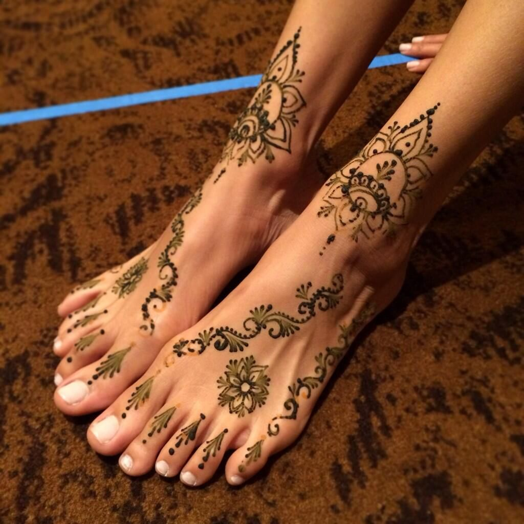 Tip: Putting olive or coconut oil over a henna design before showering will make it last longer.    www.yjevents.com
