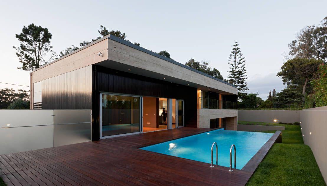 様々な表情を持つプール付きヴィラ ハウスデザイン モダンな家 家