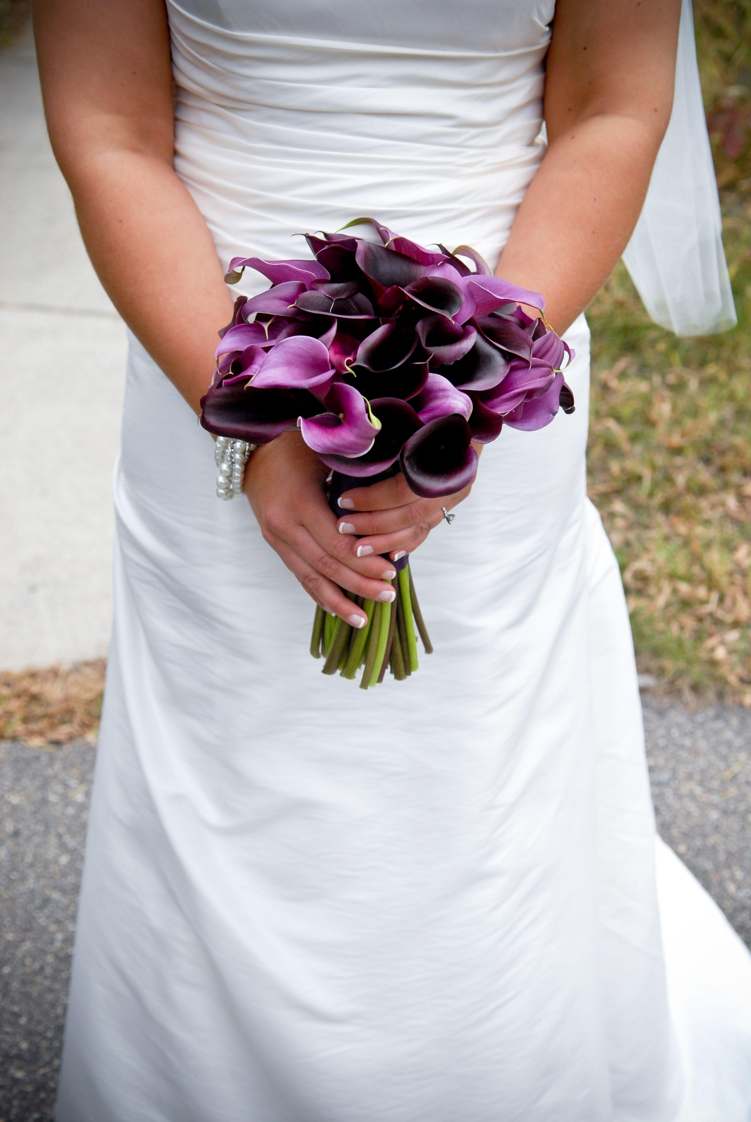 dunkel lila Calla | WEDDINGS - A & S | Pinterest | Dunkel-lila ...