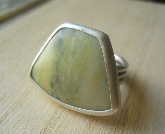 lemon jasper cocktail ring, sterling silver .925 with large, freeform, yellow, green gemstone, size 8.5