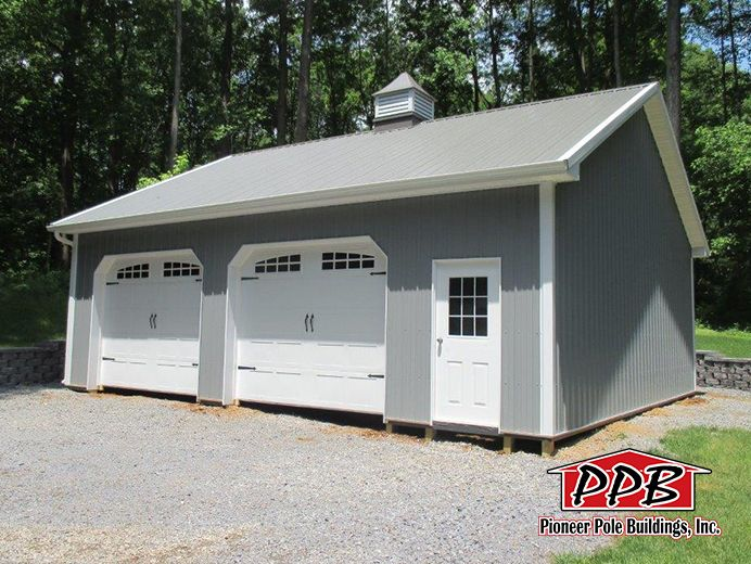 Nice Two Car Garage 30 W X 32 L X 10 4 H 30 Custom Trusses 4 On Center 6 12 Pitch Carriage House Doors Pole Barn Homes Pole Buildings