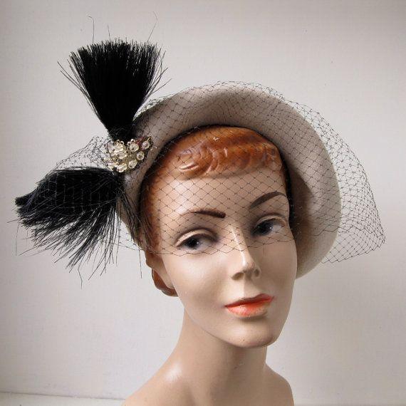 757b033b02b14 Vintage 1950s Fur Felt Hat Merrimac Savoy Cream Black Feather Veil 1940s