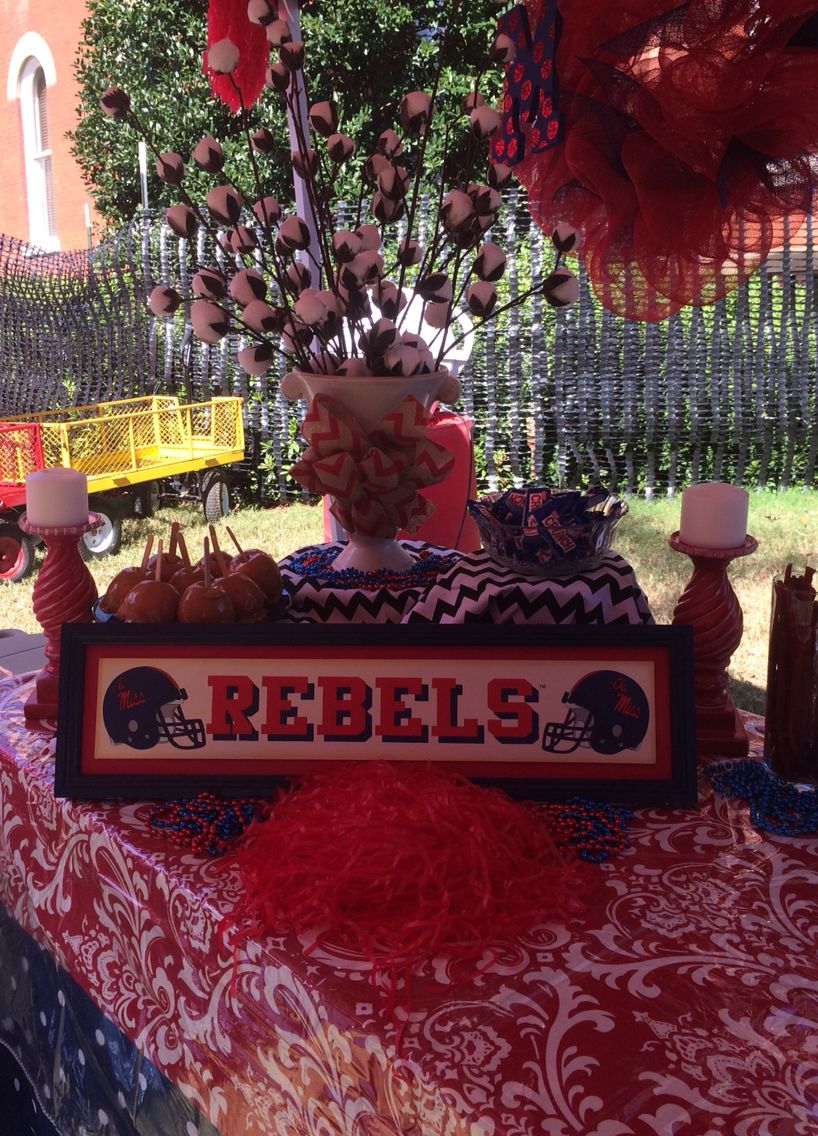 Ole Miss Centerpiece With Cotton Ole Miss Tailgating Ole Miss Tailgate Decorations
