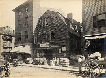 Henry M. Wheeler. Thoreau House, Prince St. Boston. Gelatin silver print. Ca. 1890s.