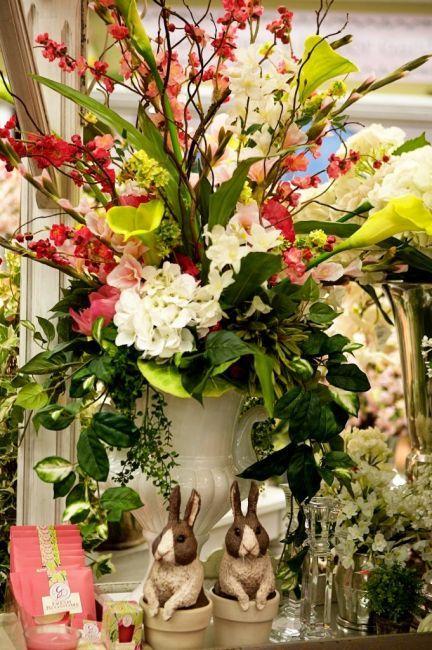 Kingdom Bloggers: Flowers That Testify of Jesus |Large Spring Floral Arrangements