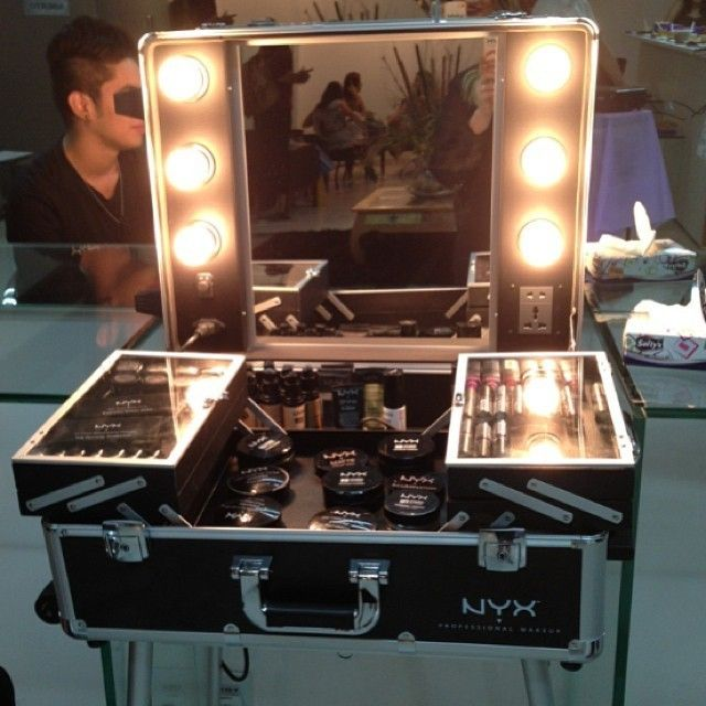 X Large Makeup Artist Train Case With Lights Love
