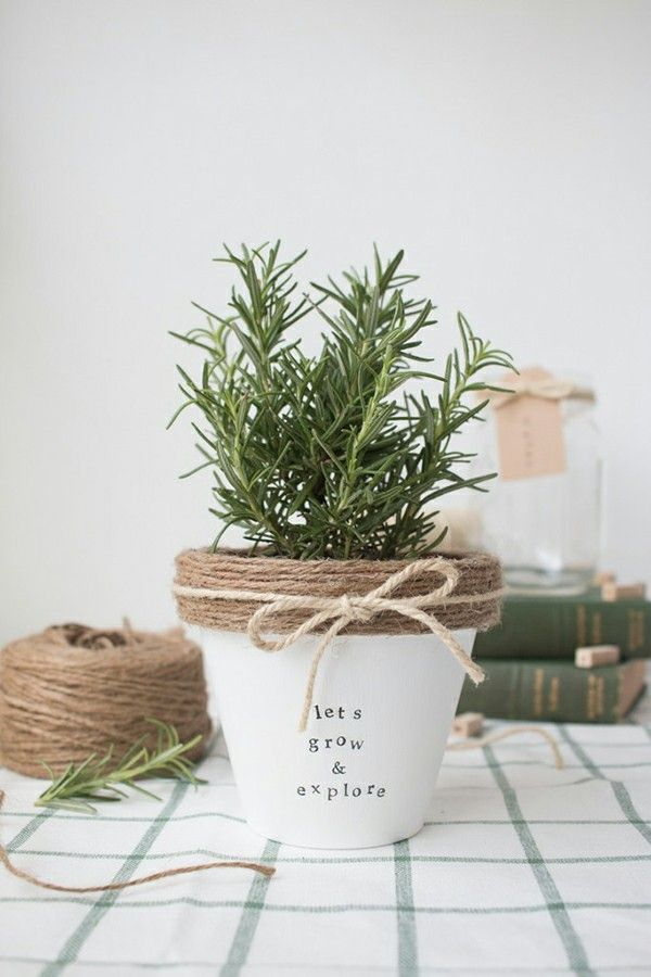 Attractive Diy Painted Terracotta Pot   This Is So Cute And Simple! Great Idea For  Christmas Gifts