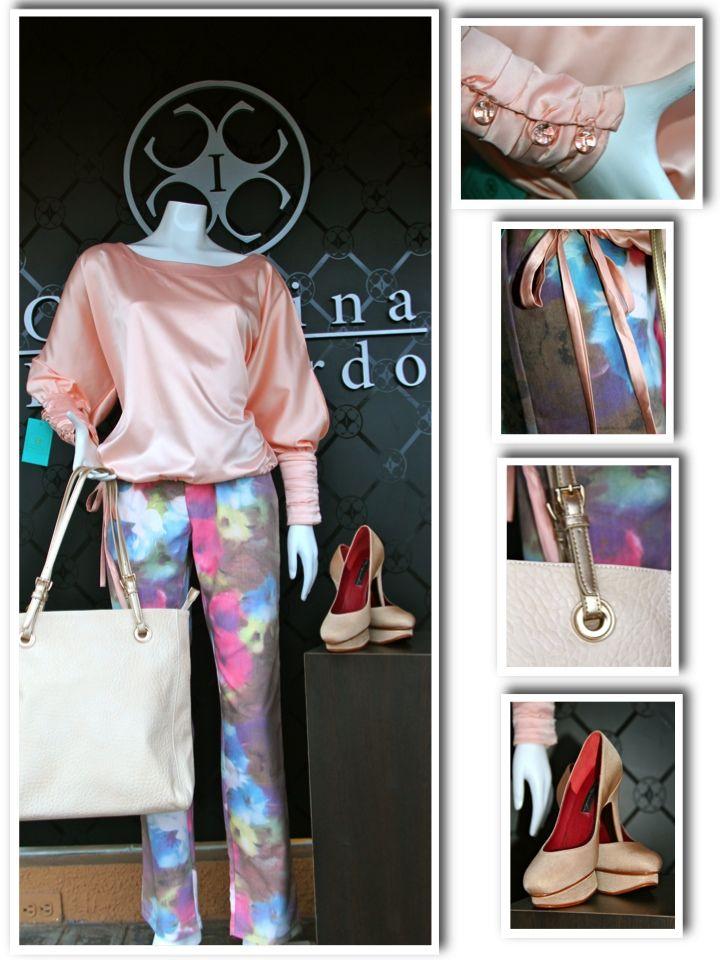 Printed denim y blusa de satin by Carolina Izquierdo, zapatos Ile Miranda
