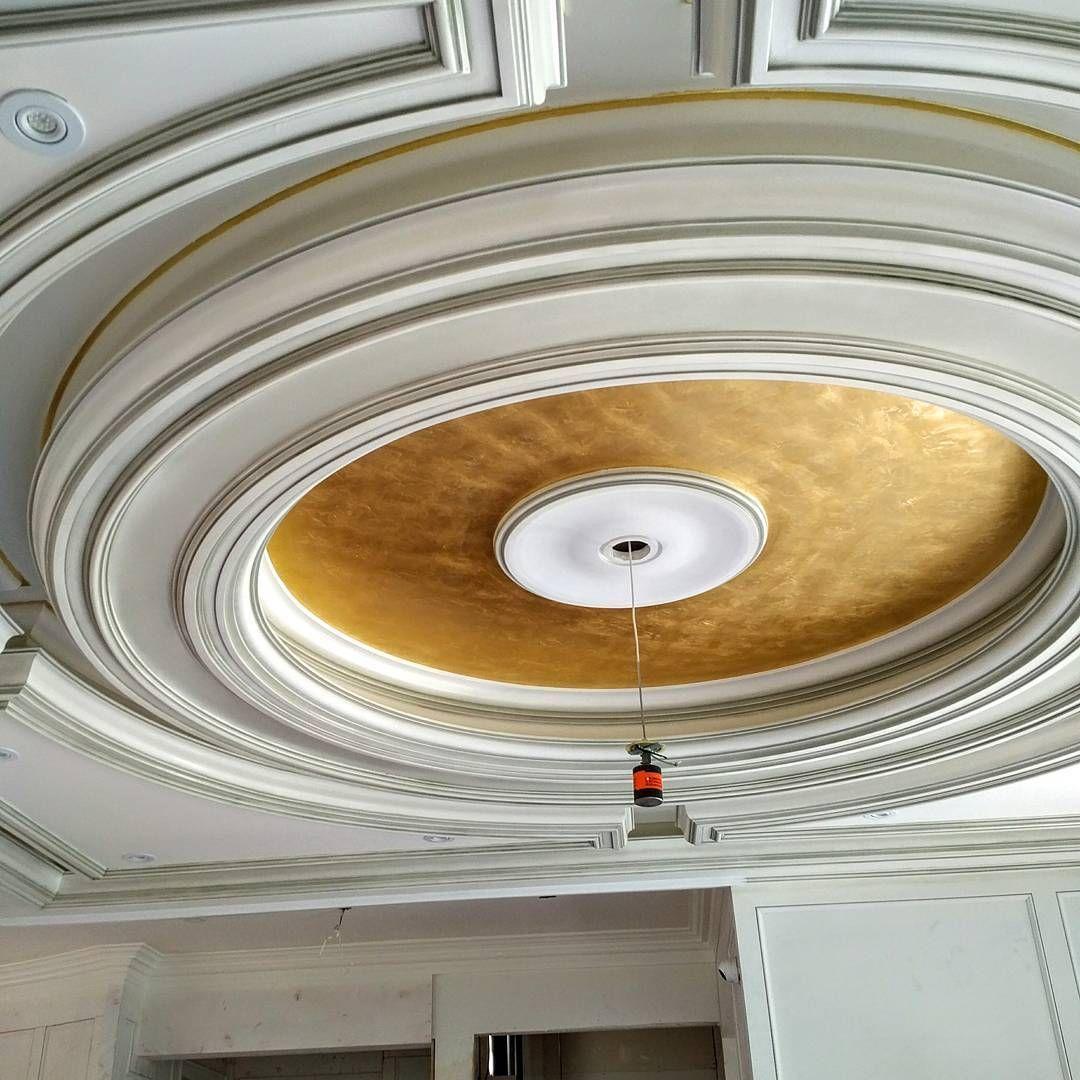 10 Extraordinary Modern False Ceiling Entertainment Units
