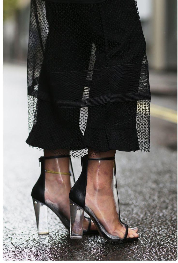 851668b9564 London Fashion Week SS17 Street Style  Day 1