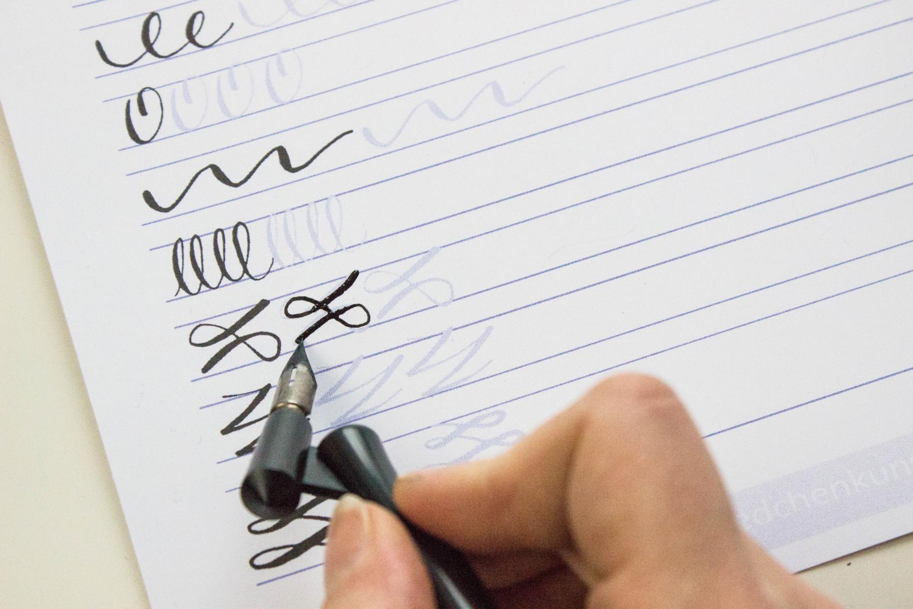 Kalligrafie Ubungsblatt Hand Lettering Calligraphy Letters
