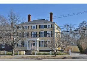 12 Front Street Exeter Nh Trulia Charming House Old Houses Classic Building
