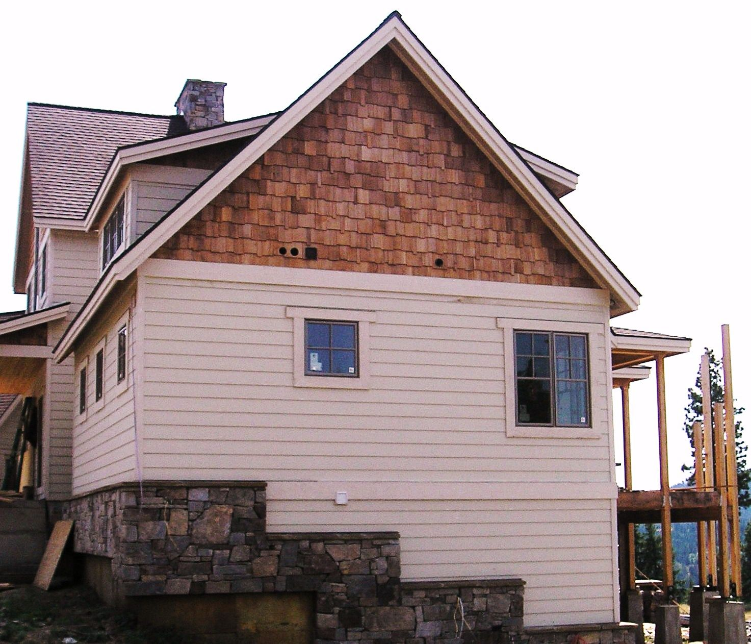 Best Cedar Shingle Accent Cedar Shingle Siding White Siding 400 x 300