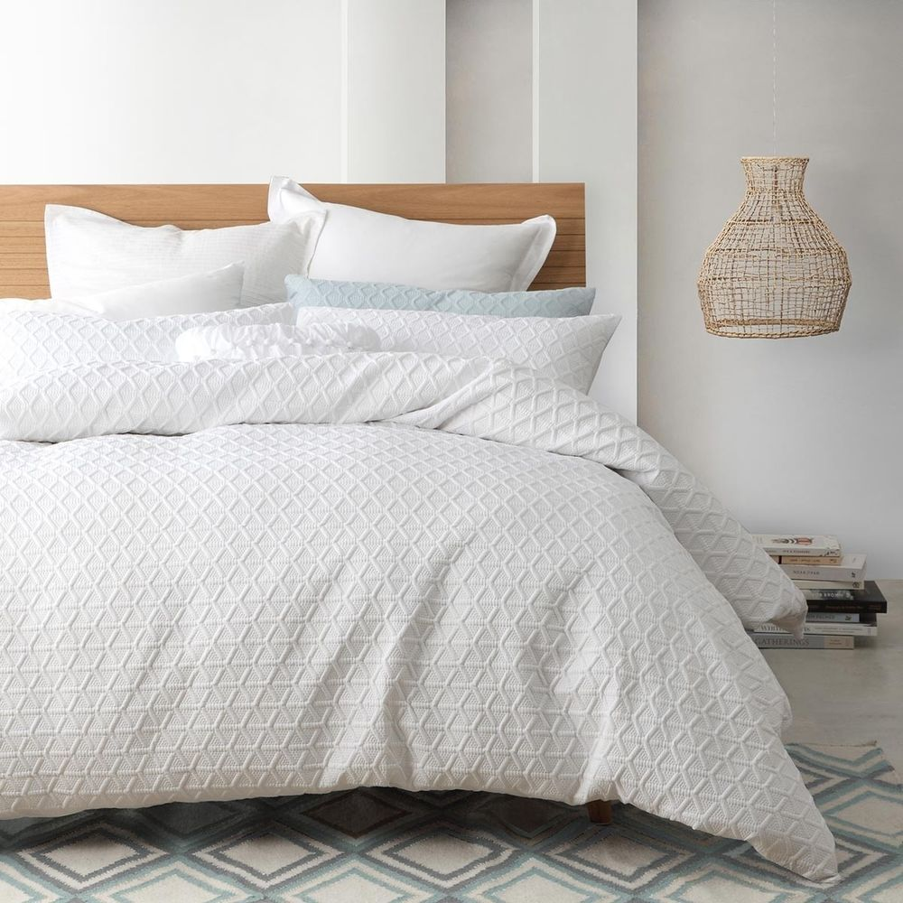 ESQUE by Logan and Mason AUDREY WHITE King Size Bed Duvet