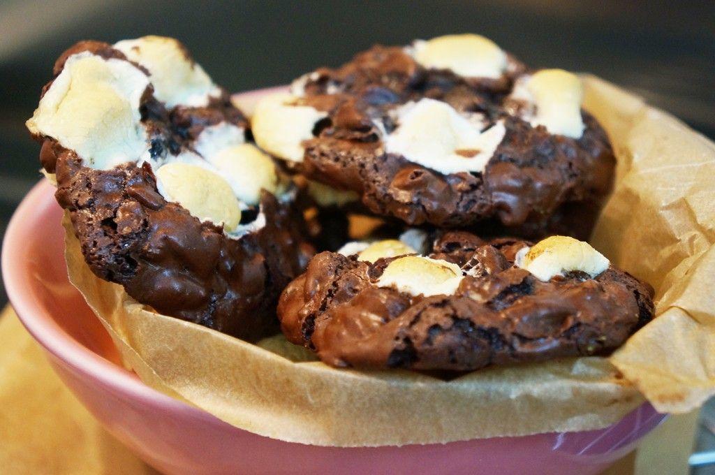 Cookies de fêtes façon mendiants aux chocolat et amandes