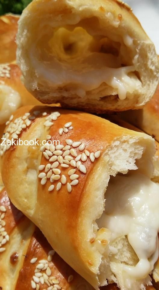 معجنات هشة بالحليب وأخرى بالأعشاب زاكي Cooking Recipes Savoury Baking Syrian Food