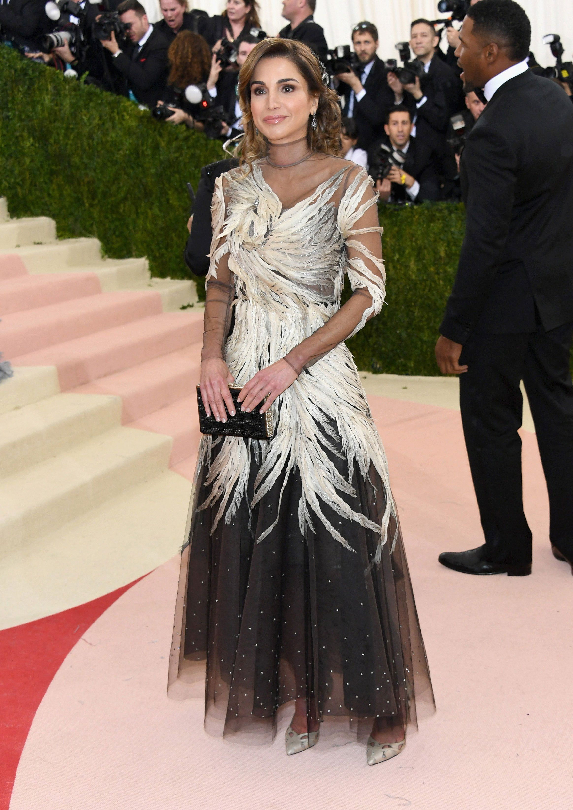 Queen Rania of Jordan in a Valentino dress and Fred Leighton jewelry