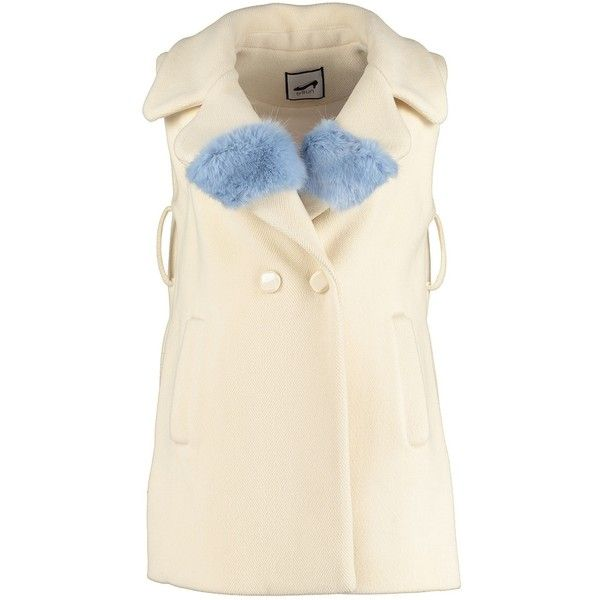 By Sun - White Heavy Wool Gilet with Faux Fur (¥69,920) ❤ liked on Polyvore featuring outerwear, vests, sleeveless waistcoat, faux fur gilet, white waistcoat, white sleeveless vest and white vest