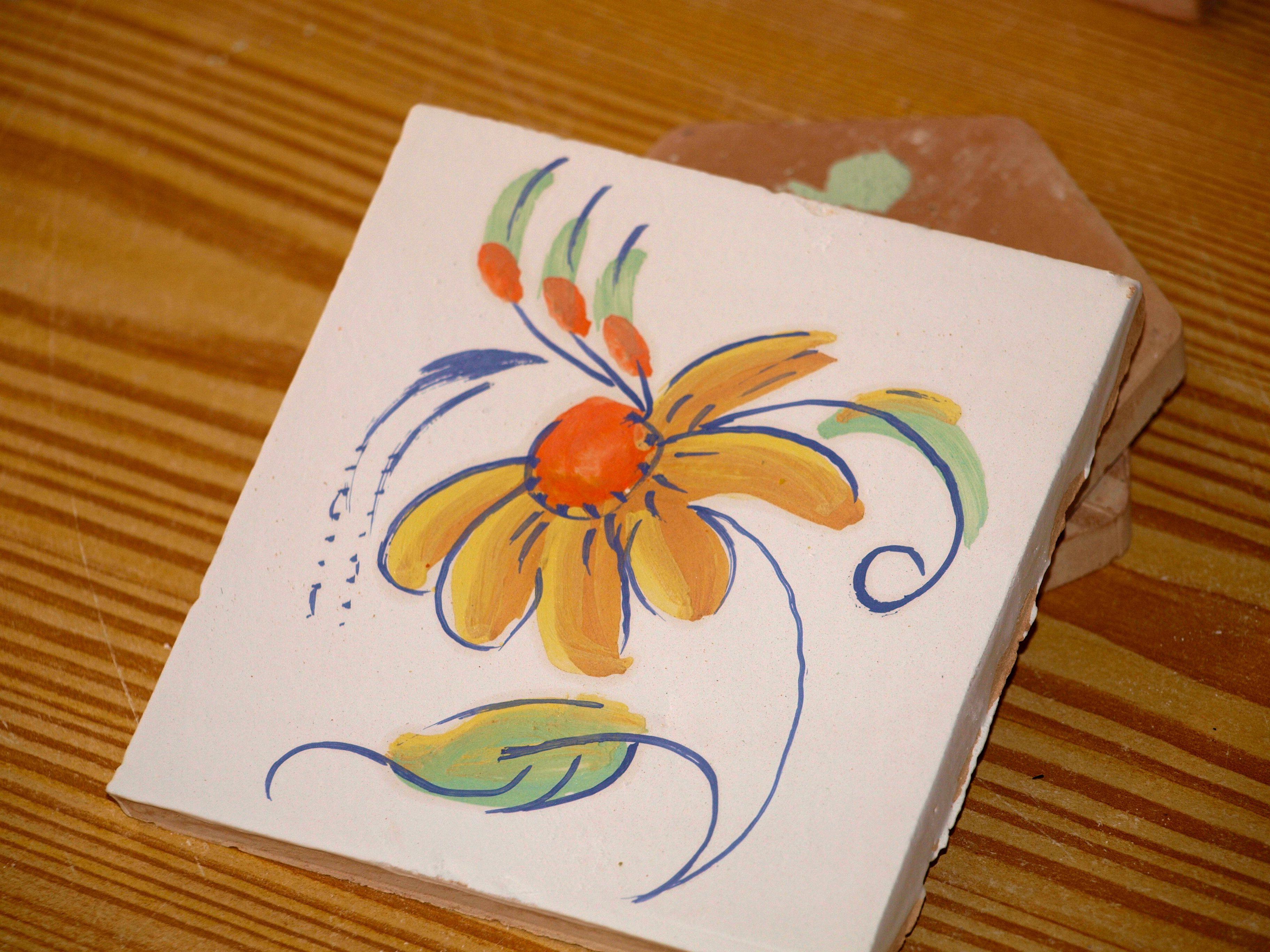 Proceso Pintura De Una Baldosa Con Un Dibujo Libre Paso 9 Pintura De Unas Libro Dibujo Baldosas