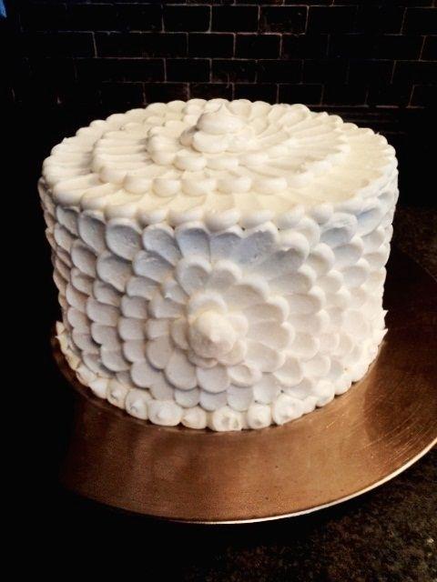 Like a giant white flower so pretty cake decorating inspiration like a giant white flower so pretty mightylinksfo