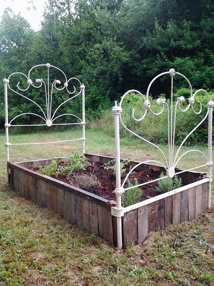Cabin Herb Garden With Images Building A Raised Garden Herb