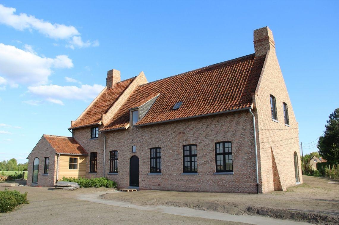 Architecten peter bovijn en sophie watelle woningen for Hedendaagse architecten