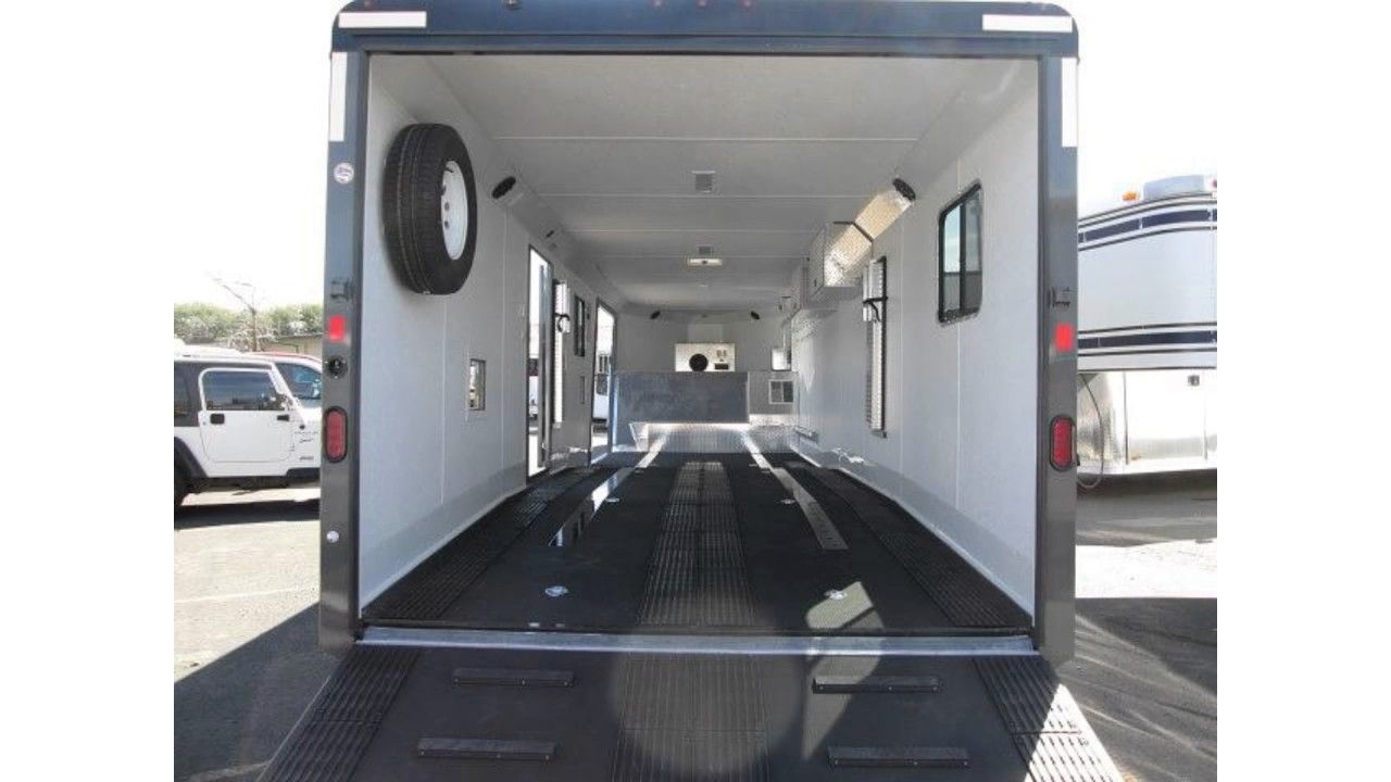 Enclosed Snowmobile Trailers in Park City - Selecting An Enclosed Cargo ...