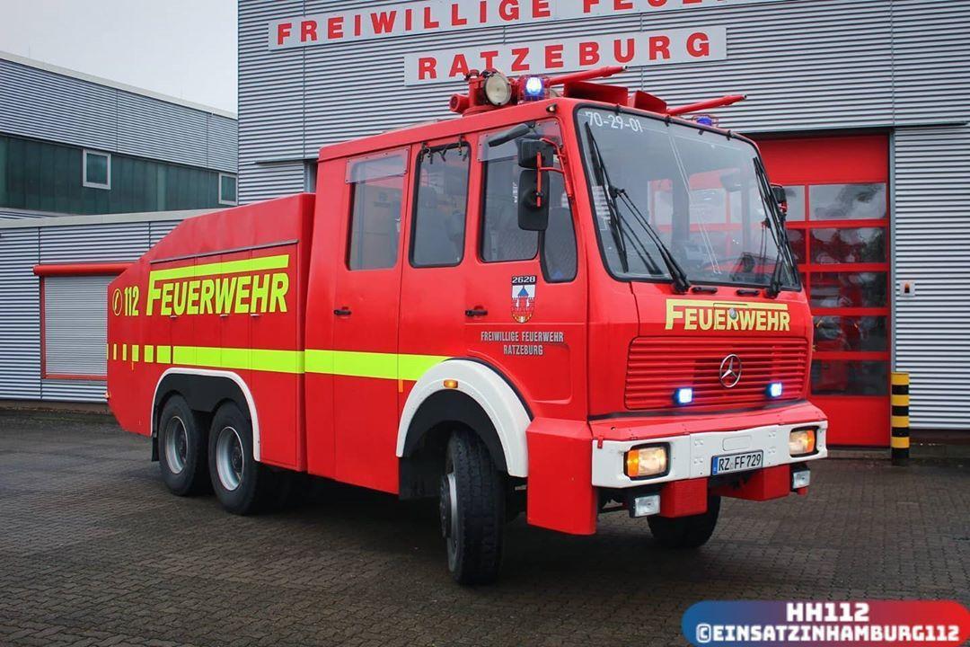 Einsatz In Hamburg 112 On Instagram Wasserwerfer Wawe9000 Der Freiwilligen Feuerwehr Ratzeburg Dieses In 2020 Feuerwehr Feuerwehr Fahrzeuge Freiwillige Feuerwehr