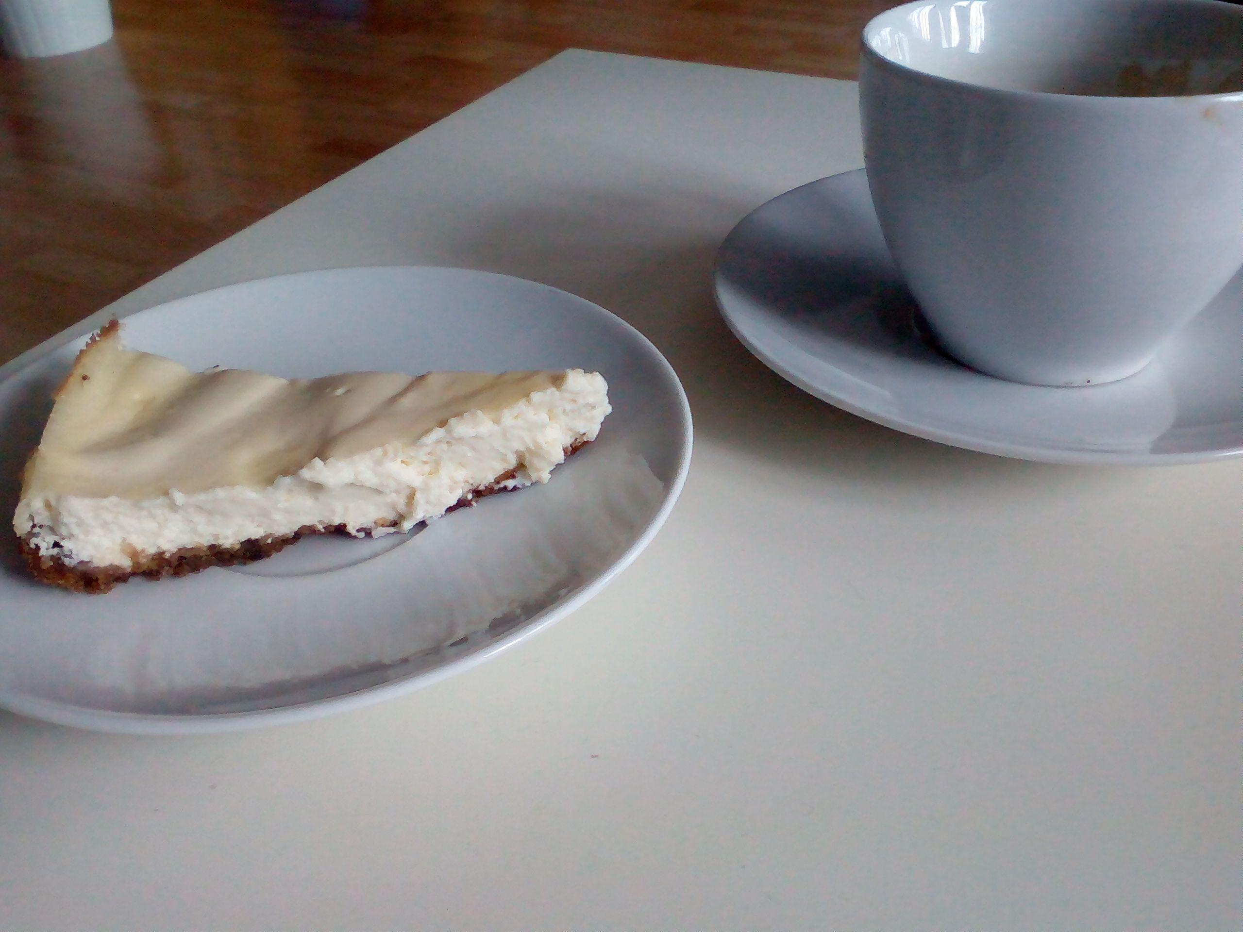 Citronový cheesecake | recept. Tento cheesecake je velice jednoduchý, jeho příprava sestává z upečení klasického sušenko
