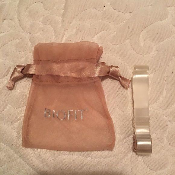 Victoria's Secret transparent bra straps Replaceable transparent bra straps Victoria's Secret Intimates & Sleepwear Bras