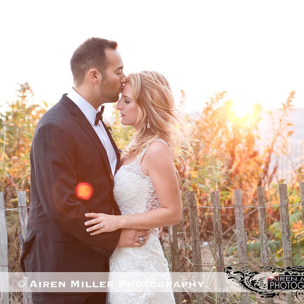 It's Teaser Tuesday's! Can't wait to show more of this breathtaking Madison Beach Wedding. Hollywood style wedding with classic elegance. #airenmillerphotography #followme @airenmiller #madisonbeachhotel @madisonbeachhotel #beachwedding #ctstyle #ctweddingphotographer #ctwedding #sunflares #nikon #teamNikon #maggiesottero @maggiesotterodesigns #weddingdress #bridalstyle #weddingfashion #modernctwedding #ctweddings