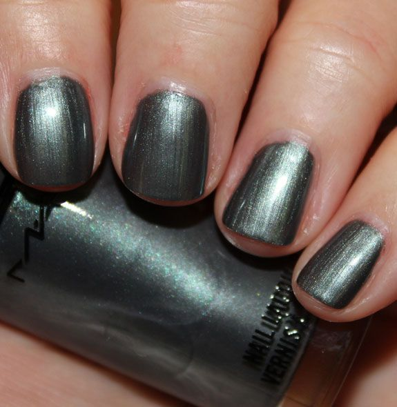 MAC - Midnight Tryst / VampyVarnish [Core Collection]   Nails ...