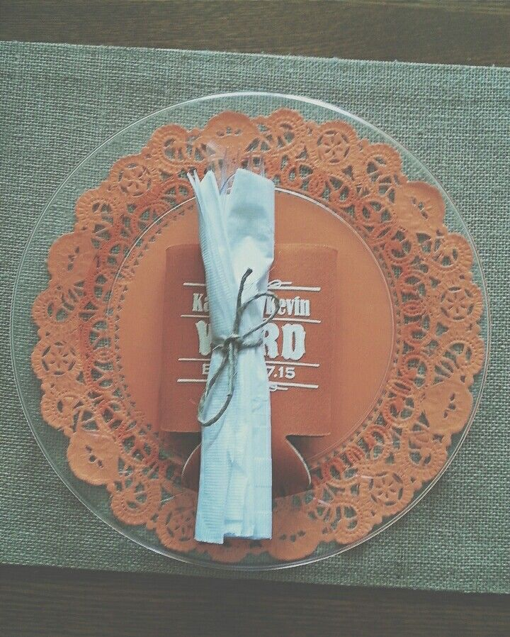 Prettify your clear plastic plates. Colored paper doilies. Silverware wrapped in twine. #koozies #barnwedding & Prettify your clear plastic plates. Colored paper doilies ...