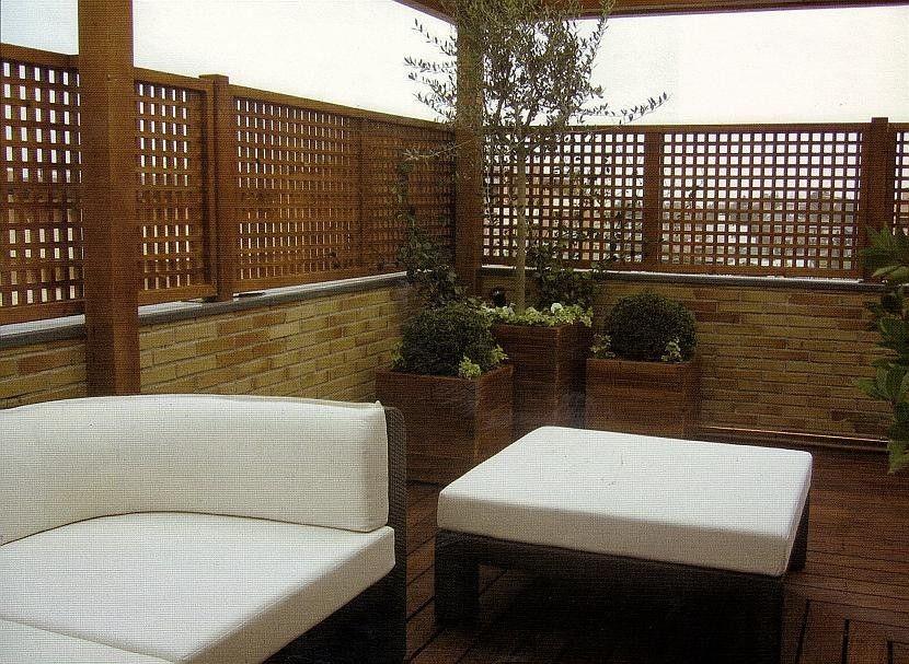 Celosias vallas jardineras bancos pergojardin for Terraza madera exterior