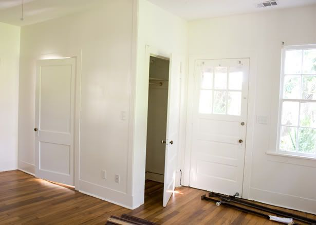 Awful Style But The White Is Excellent Benjamin Moore Moonlight