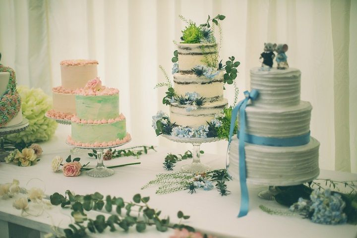 Pantone's Lapis Blue | Wedding Cake | fabmood.com #wedding #pantone2017 #lapisblue