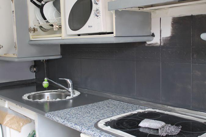 Diy renueva la encimera y azulejos de tu cocina con - Pintura para azulejos de cocina ...