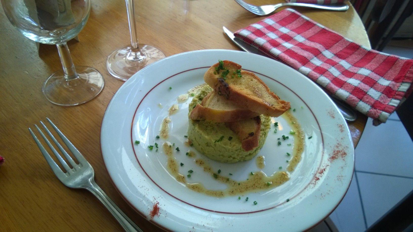 houmous et toasts - Le Picotin Paris restaurant bistrot | Fait maison, Plat, Houmous
