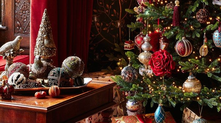 Christmas At Harrods Harrods Uk Harrods Christmas Christmas Decorations For The Home Christmas Decorations