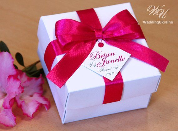 The Comely Maids Christmas Gift