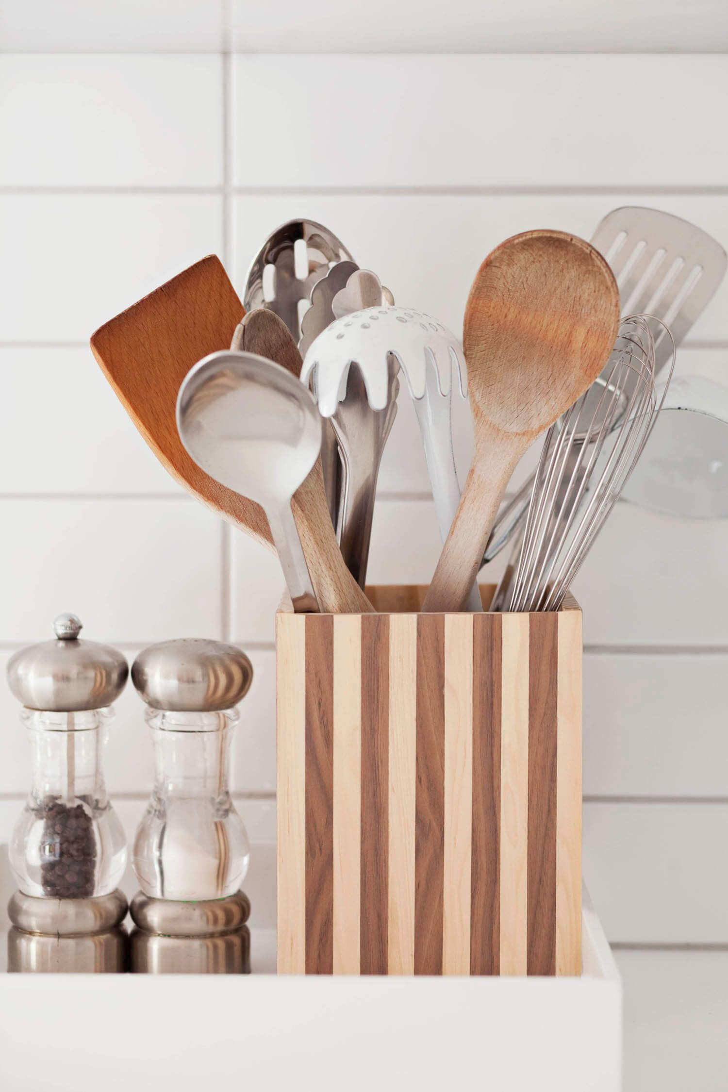 How To Make A Wood Striped Utensil Holder Diy Utensils Kitchen