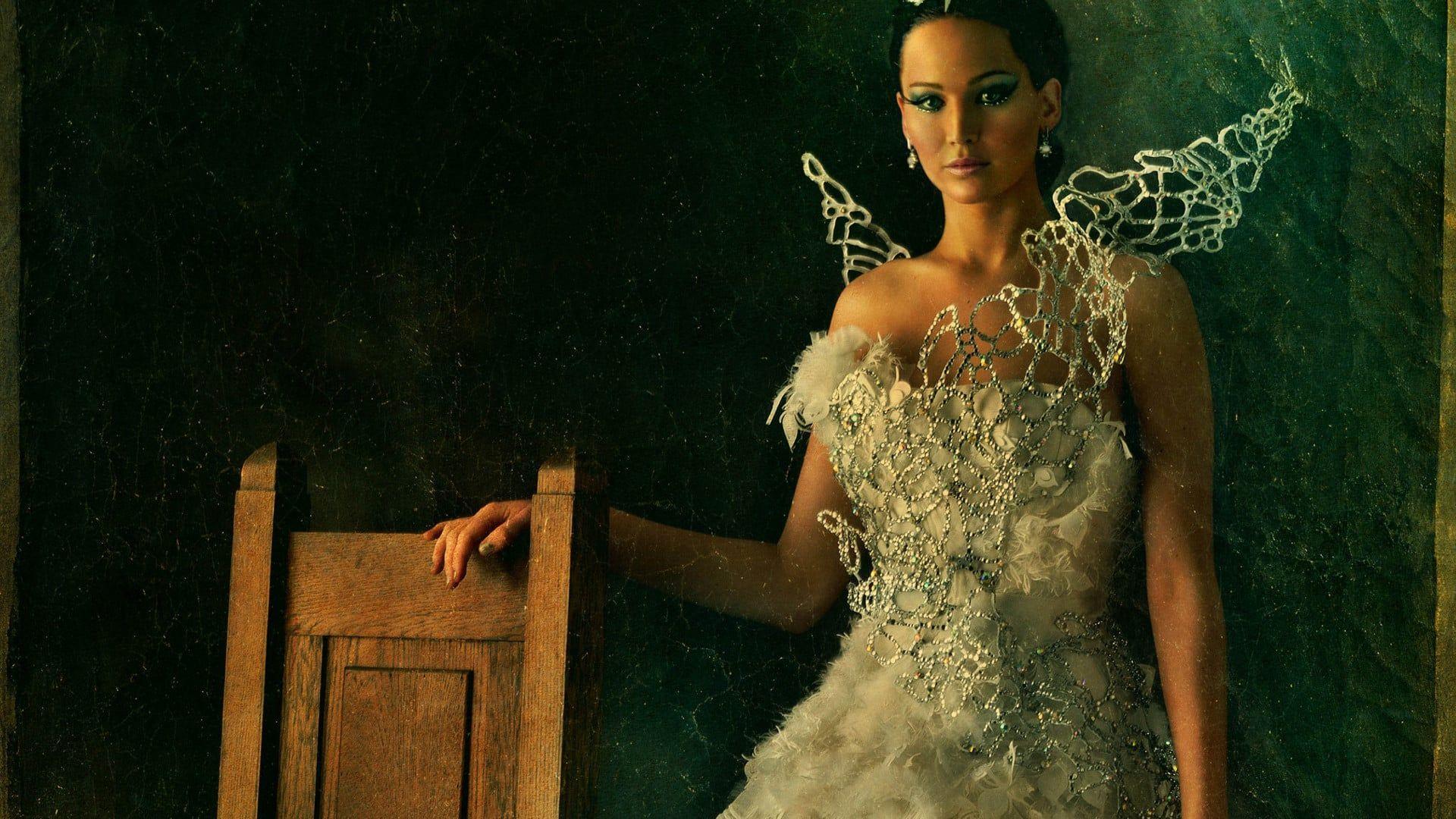 Vinderne Af Hunger Games Katniss Og Peeta Sendes Pa Sejrstur I Distrikterne Men Stik Imod Hensig Full Movies Online Free Free Movies Online Katniss Everdeen
