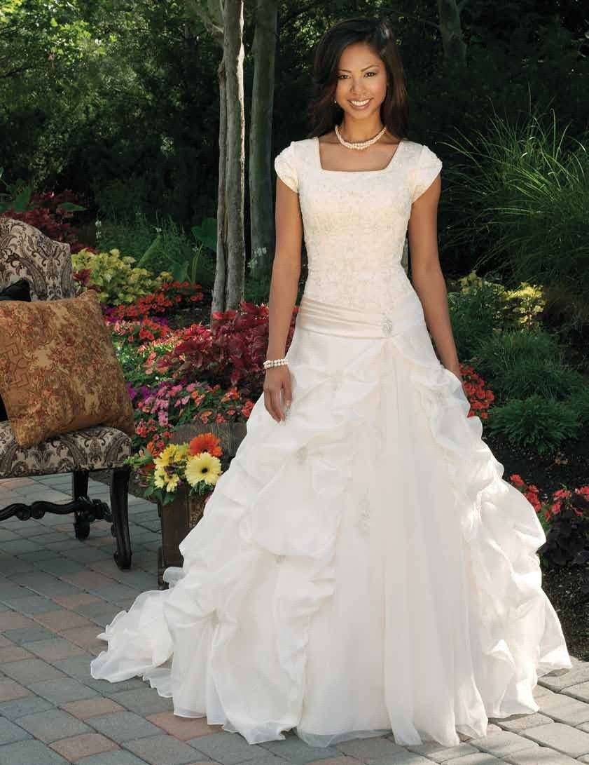 1000  images about Beautiful Formal Dresses on Pinterest | Sleeve ...