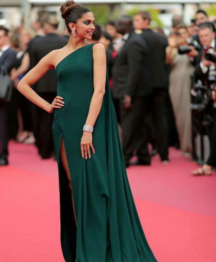Pin By Hanan Khashaba On Style Indian Dresses Online Cannes Film Festival Gowns Of Elegance
