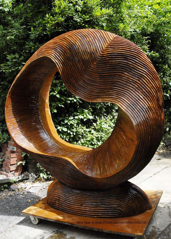 Superbe Cold Cast Iron Garden Or Yard / Outside And Outdoor Sculpture By Artist  Terry New Titled