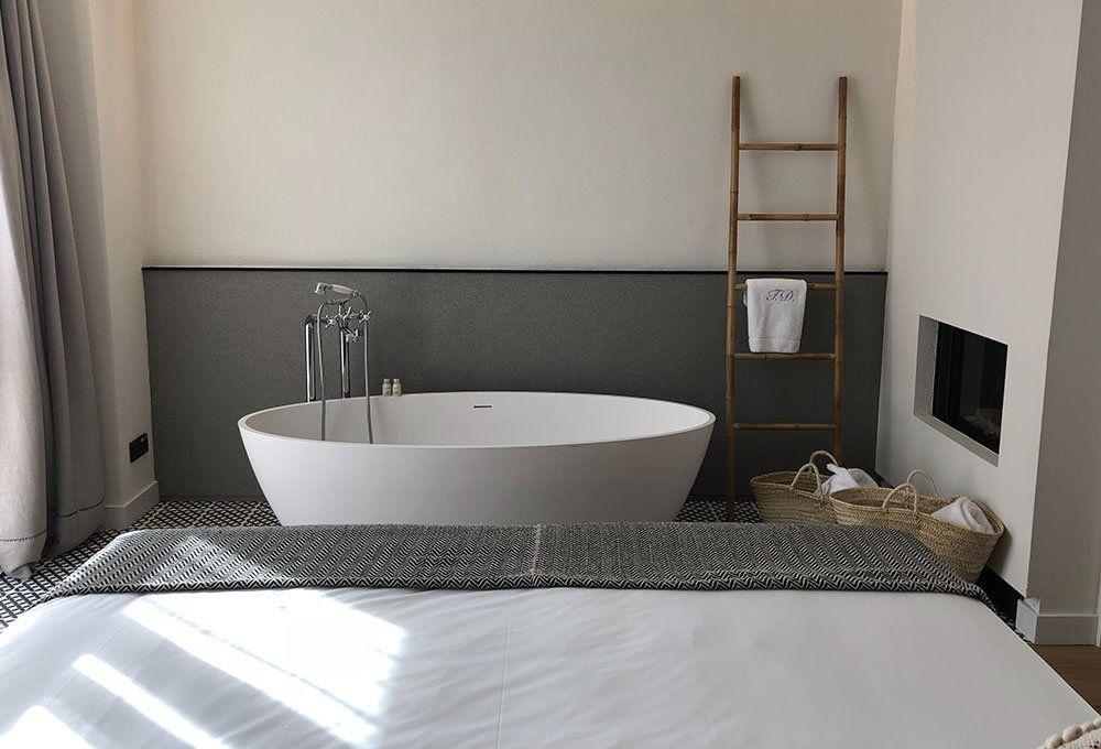 Vasca da bagno in camera da letto (con immagini) Design