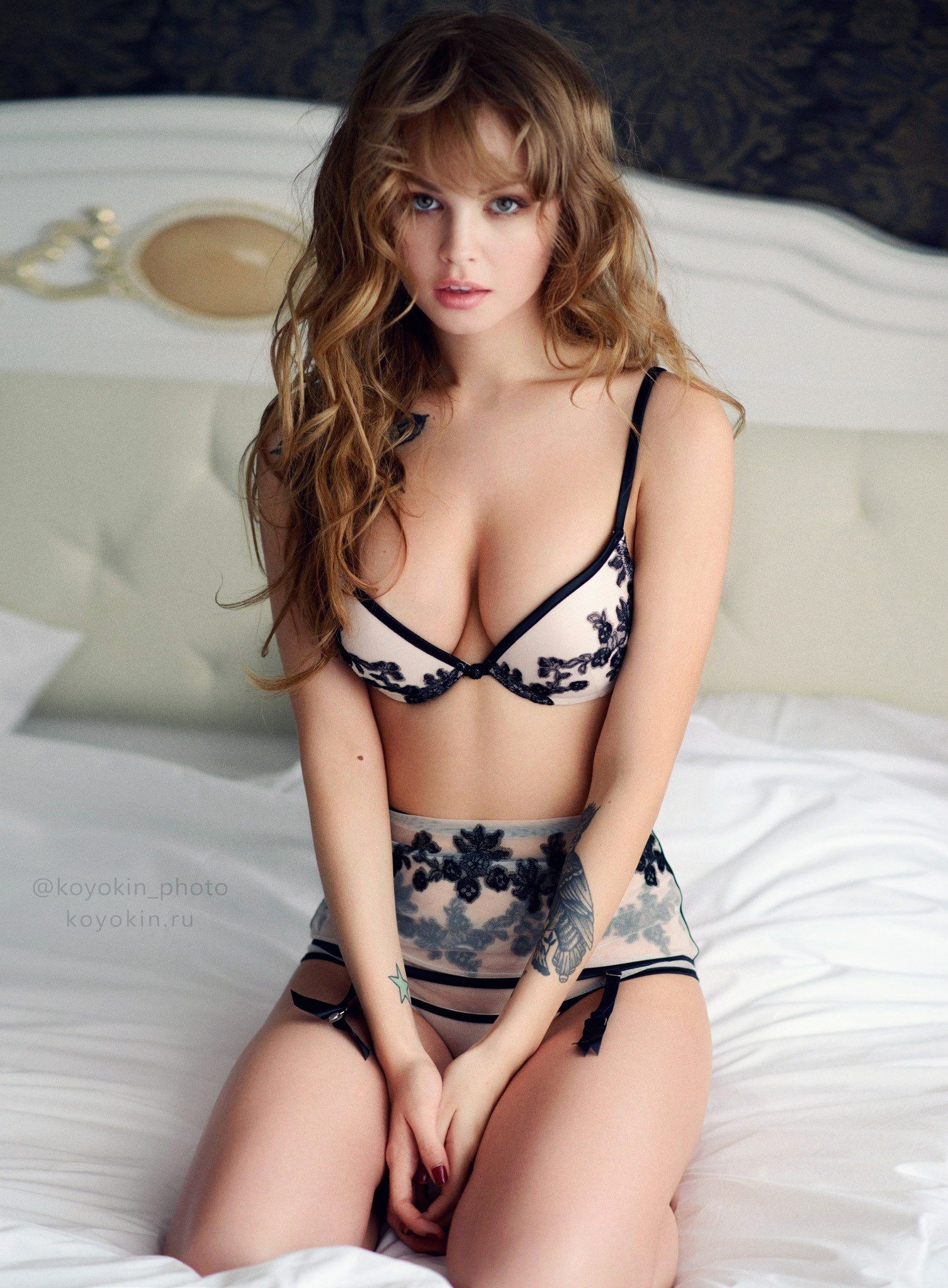 VIDEO Claudine Longet,Elle fanning autumn fashion ideas nyc Hot pics & movies NSFW Lorna Fitzgerald,Topless pics of holly peers 2